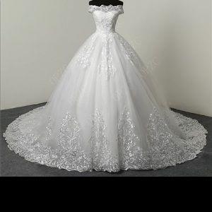 Dresses & Skirts - Luxury LACE Wedding Dress (100cm long train)